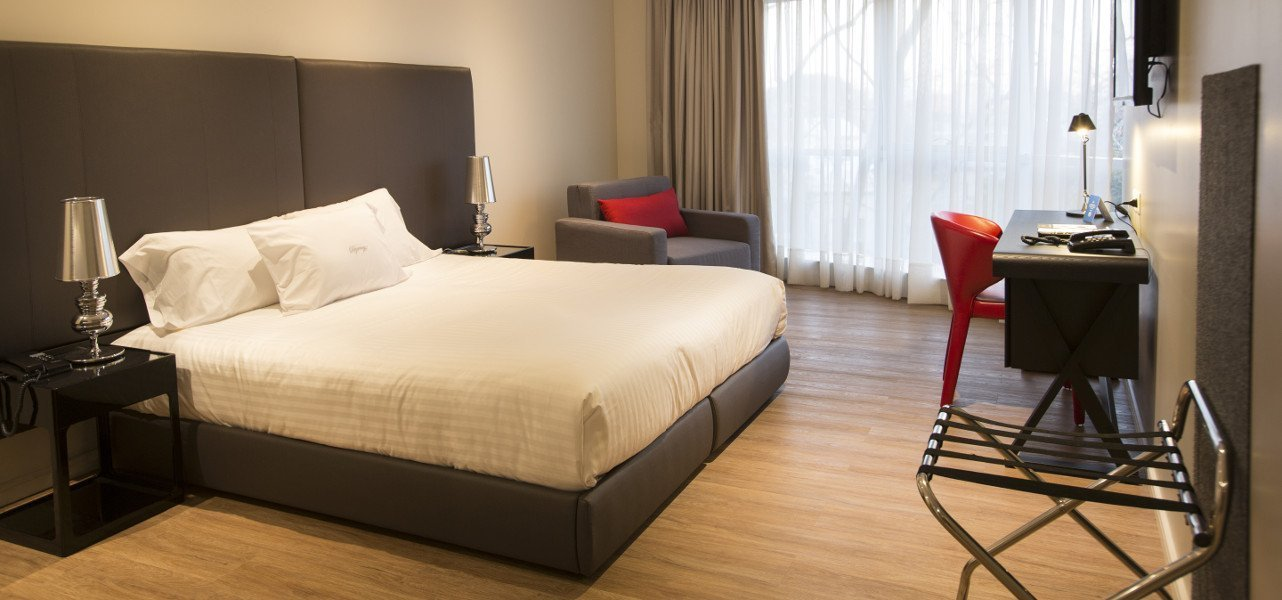 Regency Way Montevideo Hotel - Montevideo - Home